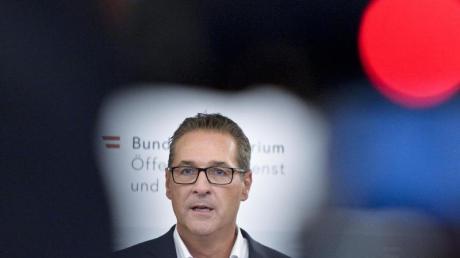 Die FPÖ hatte ihren langjährigen Ex-Chef Heinz-Christian Strache nach den Wirren um das Ibiza-Video und eine Spesenaffäre aus der Partei ausgeschlossen.