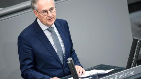 Roland Hartwig (AfD) spricht bei der 164. Sitzung des Bundestags.