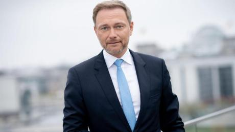 """""""Er geht mit seinem Koalitionspartner so fair um wie seinerzeit Helmut Kohl"""", sagt Christian Lindner über den Regierungsstil Armin Laschets."""