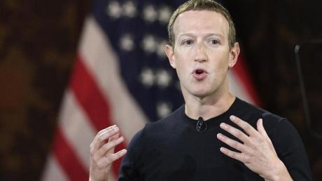 Facebook-Chef Mark Zuckerberg spricht in der Georgetown University. Facebook wird den scheidenden US-Präsidenten D. Trump bis auf Weiteres sperren.