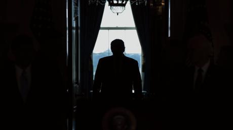 Twitter hat ihn abgeschaltet, auch zu sehen war er tagelang nicht: Donald Trump ist nur noch wenige Tage US-Präsident.
