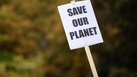 Im Gegensatz zu Olaf Scholz sieht das Climate Action Network ein Problem beim deutschen Umgang mit den europäischen Milliardenhilfen.