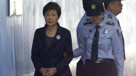 Park Geun Hye, ehemalige südkoreanische Präsidentin, kommt 2017 zu einer Anhörung im Seoul Central District Court.