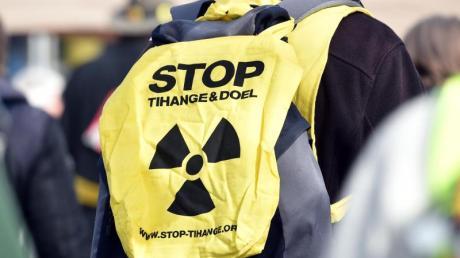 Atomwaffen verbieten klingt vernünftig. Wie das gelingen soll, darüber gibt es im politischen Berlin unterschiedliche Auffassungen.
