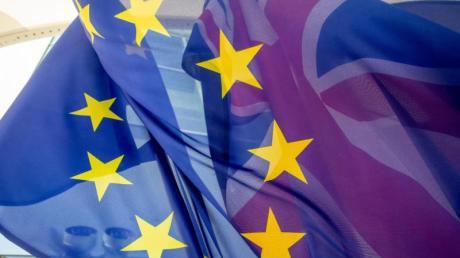 London will die Entsandten aus Brüssel wie Mitarbeiter einer internationalen Organisation behandeln. Der Auswärtige Dienst reagiert mit Unverständnis auf das britische Vorgehen.
