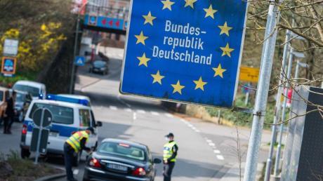 Unnötige Reisen sollen zukünftig stärker eingeschränkt werden, die Grenzen sollen aber geöffnet bleiben.
