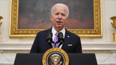 Joe Biden, Präsident der USA, spricht über das neuartige Coronavirus im State Dinning Room des Weißen Hauses.