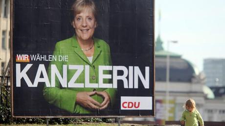 """Die """"Raute"""" wurde ihr Markenzeichen: Angela Merkel wird im Herbst Deutschland 16 Jahre regiert haben."""