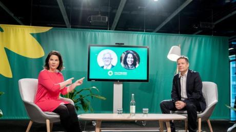 Die Grünen-Vorsitzenden Annalena Baerbock und Robert Habeck beim digitalen Politischen Aschermittwoch ihrer Partei.