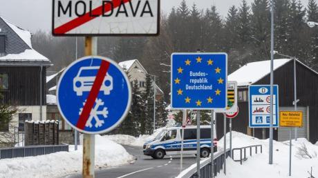 Die Bundesregierung will das Beförderungsverbot für Einreisende aus sogenannten Virusvarianten-Gebieten bis 17. März verlängern.