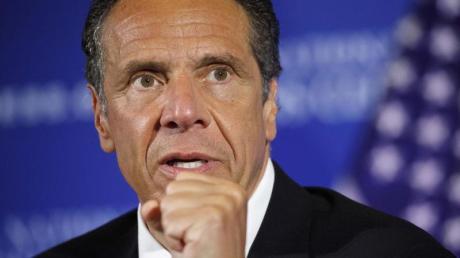 Zwei ehemalige Mitarbeiterinnen werfen New Yorks Gouverneur Andrew Cuomo sexuelle Belästigung vor.