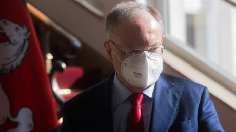 Niedersachsens Ministerpräsident Stephan Weil mahnt die Menschen zur Umsicht.
