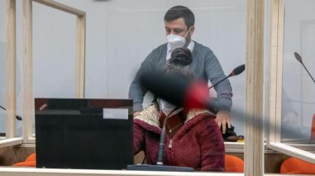 Die angeklagte mutmaßliche IS-Rückkehrerin muss sich in München vor Gericht verantworten.