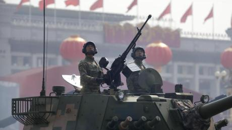 Soldaten der Volksbefreiungsarmee bei einer Parade in Peking.