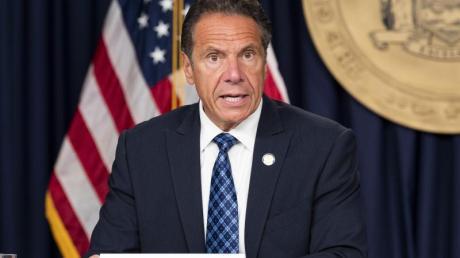 Andrew Cuomo, Gouverneur des US-Bundesstaates New York, spricht auf einer Pressekonferenz.