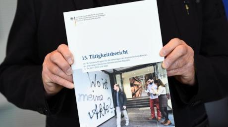 Roland Jahn hält den 15. und letzten Tätigkeitsbericht der Stasi-Unterlagen-Behörde.