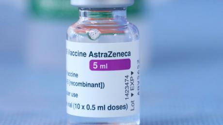Die EU ringt mit dem Hersteller des AstraZeneca-Impfstoffes.