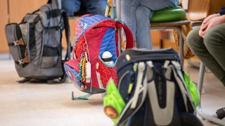 Die Rückkehr ins Klassenzimmer wird wohl ab Dienstag wieder an Augsburger Grundschulen möglich sein.