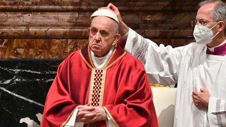 Papst Franziskus wirkte oft müde, ja schwermütig an den Osterfeiertagen. Die Begegnung mit tausenden von Menschen schien ihm zu fehlen.