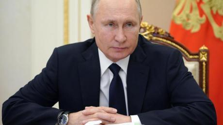 Der russische Präsident Wladimir Putin im Kreml bei einer Videokonferenz.
