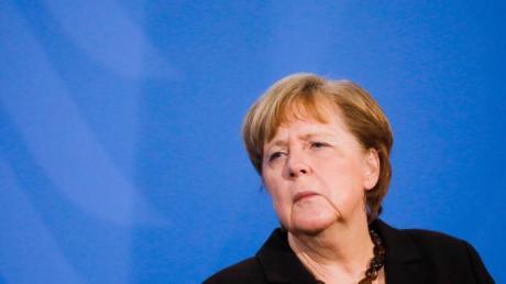 Laut «Bild»-Zeitung denkt auch Kanzlerin Merkel über eine Änderung des Infektionsschutzgesetzes nach.