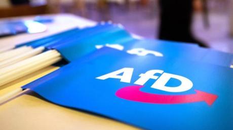 In Dresden kommen 600 Delegierte der AfD zu einem zweitägigen Bundesparteitag zusammen.