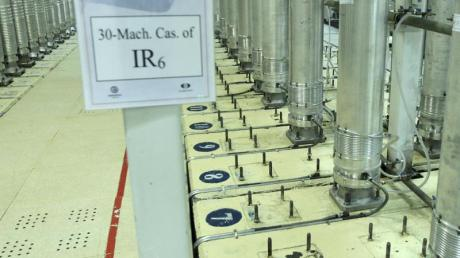 Dieses von der iranischen Atomorganisation (AEOI) veröffentlichte Bild zeigt Zentrifugen in der Urananreicherungsanlage Natans.