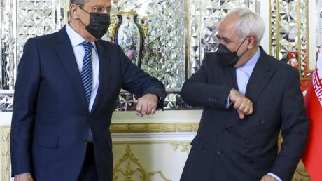 Russlands Außenminister Sergej Lawrow zu Gast bei Irans Außenminister Mohammed Dschawad Sarif.