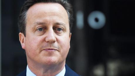 Die britische Regierung lässt die Rolle des früheren Premierministers David Cameron im Fall des insolventen Finanzdienstleisters Greensill Capital prüfen.