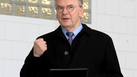 Reiner Haseloff könnte nach der Wahl in Sachsen-Anhalt – mit Unterstützung von CDU-Chef Armin Laschet – eine in Deutschland lange nicht mehr gekannte Koalition schmieden.