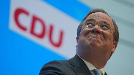 Am Ende oben – zumindest vorläufig. Der CDU-Chef Armin Laschet am Dienstag während einer Pressekonferenz nach Markus Söders angekündigtem Rückzug im Rennen um die Kanzlerkandidatur der Union.