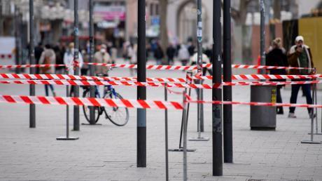 Die Stadt München hat die Notbremse im Kampf gegen die Corona-Pandemie bereits gezogen. Die tritt in Kraft, wenn der Schwellenwert von 100 zum dritten Mal in Folge überschritten wurde.