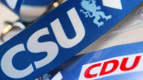 CDU und CSU basteln an einem gemeinsamen Wahlprogramm. Das Hauptziel der Kampagne: Die Grünen.