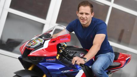 Mit diesem Modell fuhr Stefan Bradl während des Corona-Lockdowns auf Rennstrecken, um das Gefühl für die Geschwindigkeit nicht zu verlieren.