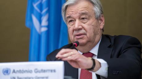 Antonio Guterres, UN-Generalsekretär, während einer Pressekonferenz in Genf über das Ende eines 5+1-Treffens über Zypern.