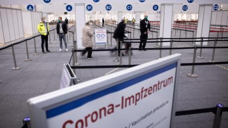 Eingangsbereich des Corona-Impfzentrums in den Hamburger Messehallen.
