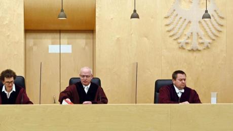 Der Dritte Strafsenat beim Bundesgerichtshof (BGH) eröffnet die Verhandlung zu einer gerichtlich angeordneten Einziehung von 11,1 Millionen Euro beim Waffenhersteller Sig Sauer.