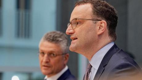 Bundesgesundheitsminister Jens Spahn (CDU) und RKI-Präsident Lothar Wieler bei einer Pressekonferenz.