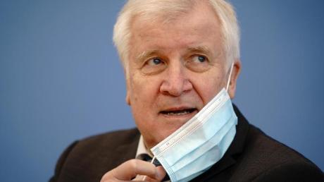 Horst Seehofer fürchtet «bedenkliche Größenordnungen» in der Migrationspolitik.