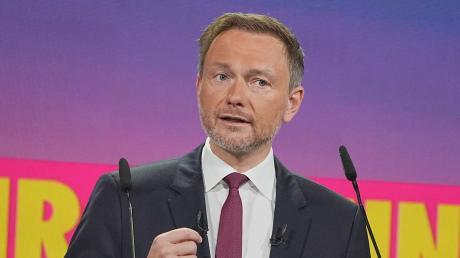 Christian Lindner, Fraktionsvorsitzender und Parteivorsitzender der FDP, spricht beim Bundesparteitag der FDP.