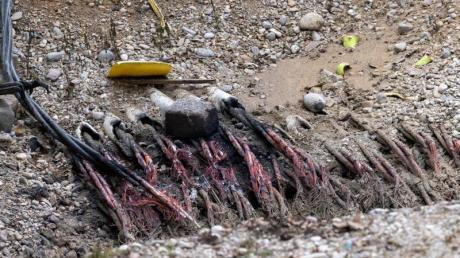 Unfall oder Absicht? Verschmorte Kabel auf der Baustelle in Haidhausen.