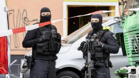Eine Abwanderung von Hisbollah-Sympathisanten aus Deutschland oder einen Rückzug von Aktivisten aus bestimmten Vereinen konnten die Sicherheitsbehörden seit dem Betätigungsverbot nicht beobachten.