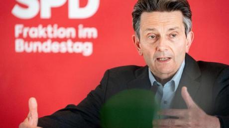 «Herr Spahn sollte nicht nach einer Entschuldigung rufen, sondern an der Aufklärung mitwirken»: Rolf Mützenich.