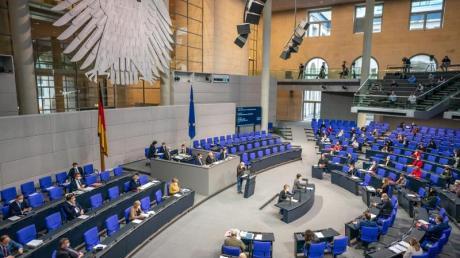 Für Bundestagsabgeordnete gibt es bei Nebeneinkünften in Zukunft deutlich strengere Meldepflichten.