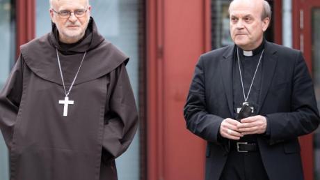 Die Apostolischen Visitatoren Kardinal Anders Arborelius (l) und Bischof Hans van den Hende haben ihren Auftrag im Erzbistum Köln erfüllt.