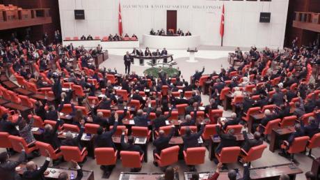 Das Archivbild zeigt das türkische Parlament in Ankara.