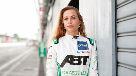 Sophia Flörsch hat die große Motorsportkarriere vor Augen. Die 20-Jährige musste allerdings auch schon einen schweren Unfall miterleben.