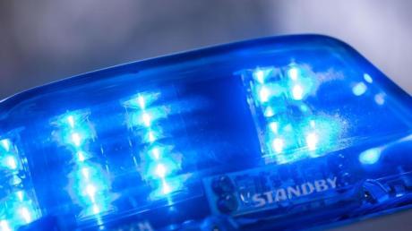 Die Polizei Nördlingen bittet um Hinweise zu einem versuchten Einbruch. (Symbolbild)