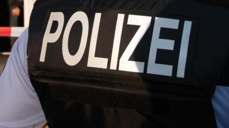 Die Polizei sucht nach Zeugen einer Unfallflucht in Altenmünster-Hegnenbach.