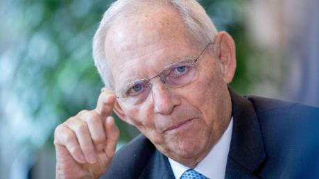 Wolfgang Schäuble (CDU), Bundestagspräsident, sieht keine Benachteiligung mehr für Frauen in der heutigen Politik.